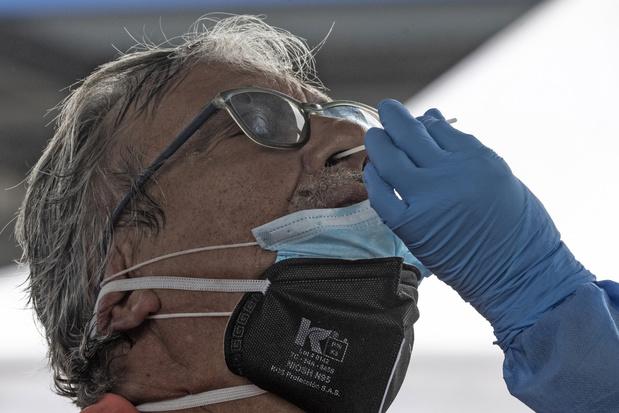 Les employeurs ne peuvent imposer des tests PCR à leurs travailleurs, rappelle la CSC
