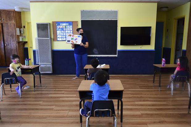 La rentrée scolaire très virtuelle devient enjeu politique aux États-Unis