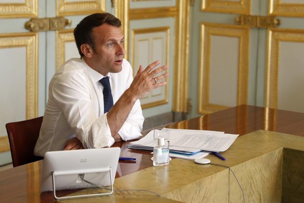 """La présidence dément que Macron ait évoqué sa démission, une idée """"loufoque"""""""