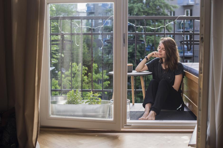 Comment affronter la solitude du confinement? Analyse et témoignages