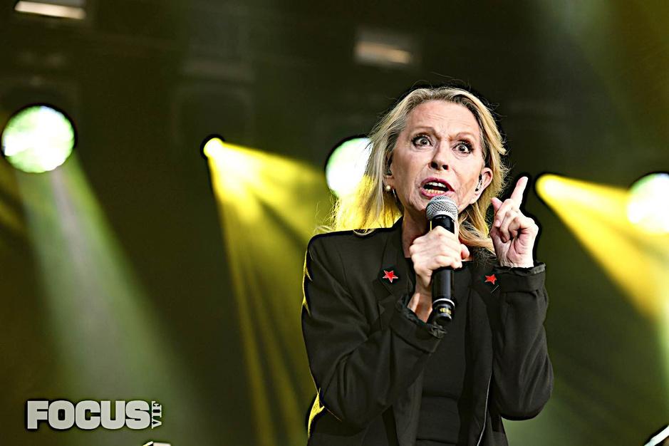 Véronique Sanson inaugure le nouveau festival Arena 5: les photos