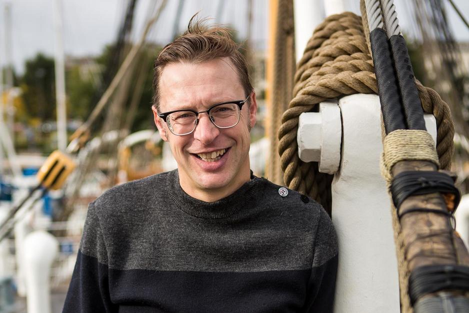 """De Oostendse roots van VRT-journalist Koen Wauters: """"Mijn pa was priester, mijn ma een non"""""""