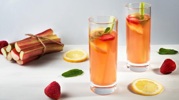 Recette de l'eau à la rhubarbe