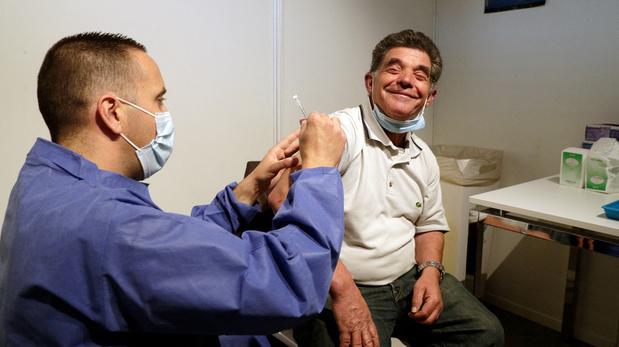 Covid: un Français sur deux est complètement vacciné