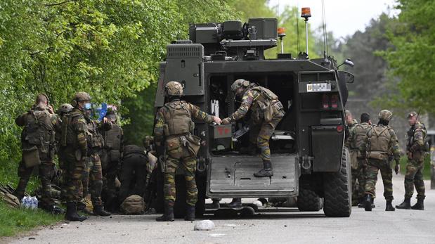 Chasse à l'homme en Flandre: Police et armée passent un périmètre de 20 km au peigne fin
