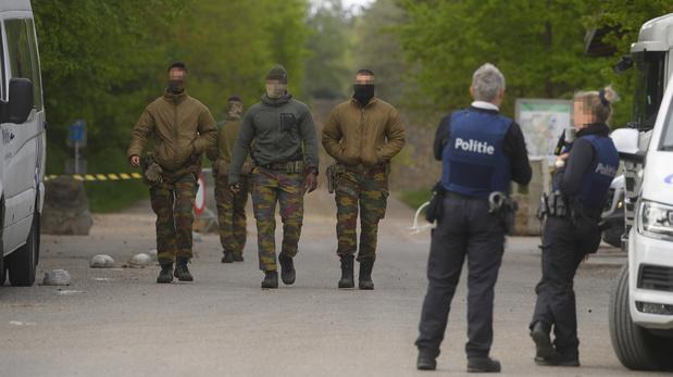 Chasse à l'homme en Flandre: activité réduite au poste de commande, la zone de sécurité étendue