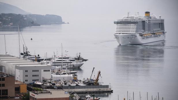 Le paquebot géant Costa Smeralda repart en mer, symbole fort pour le monde des croisières