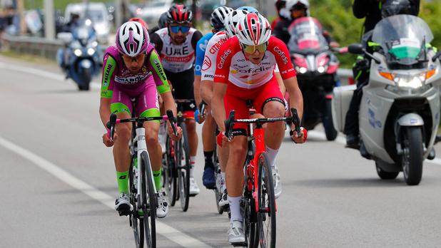 Tour d'Italie: le Français Victor Lafay remporte la 8e étape en solitaire, Valter reste en rose