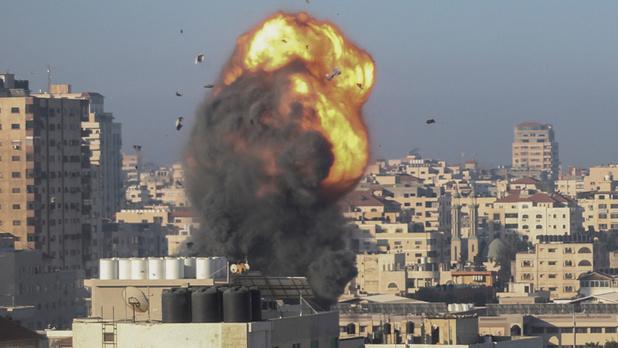 Frappes israéliennes à Gaza, un émissaire américain arrivé pour des pourparlers