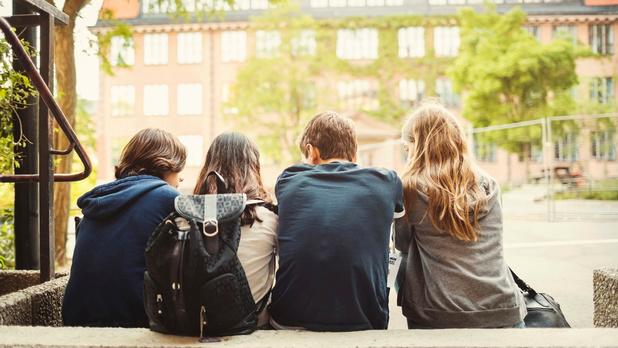 Code vestimentaire : les jeunes filles plus souvent rappelées à l'ordre que les garçons?
