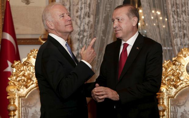 """Les Etats-Unis risquent de """"perdre un ami"""", prévient Erdogan avant de rencontrer Biden"""