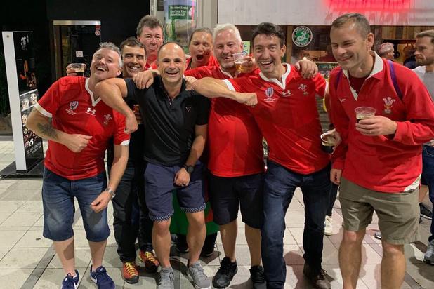 Scheidsrechter mag WK rugby verlaten na foto met supporters