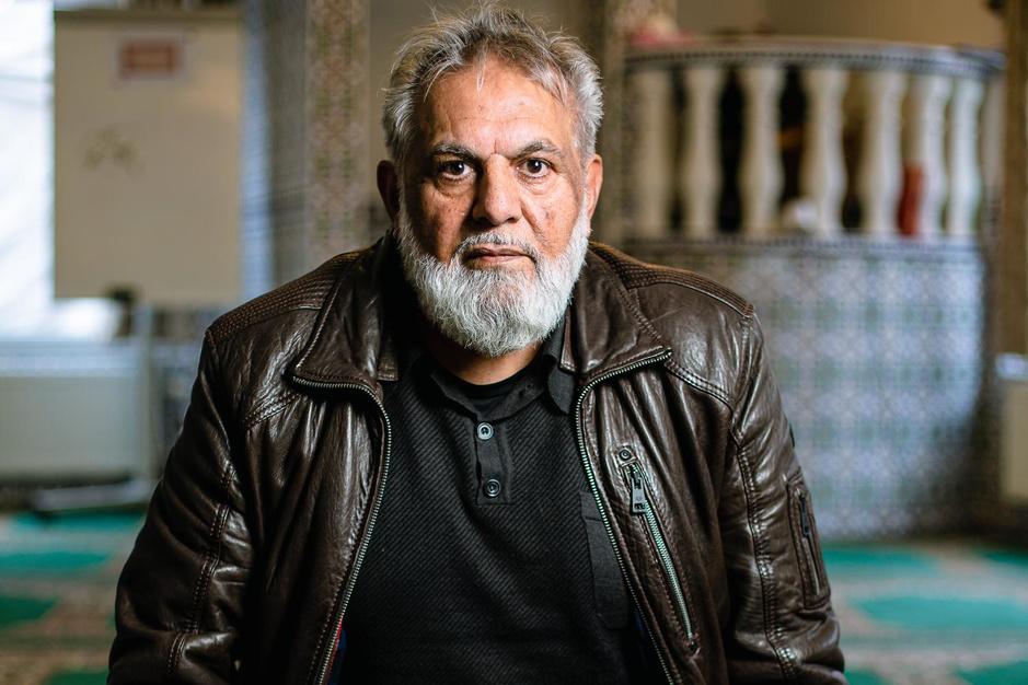 """Aziz Karim Rajput (70): """"Mijn leven begint pas na de dood"""""""