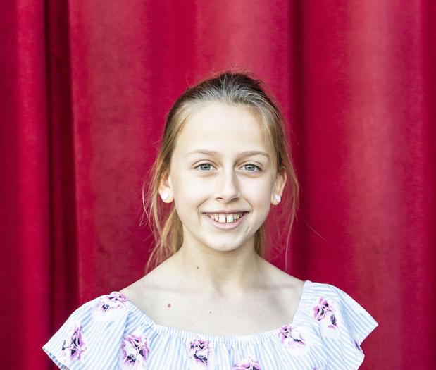 Norah Vandenbogaerde uit Kortrijk maakt deel uit van 'Annie, de Musical'