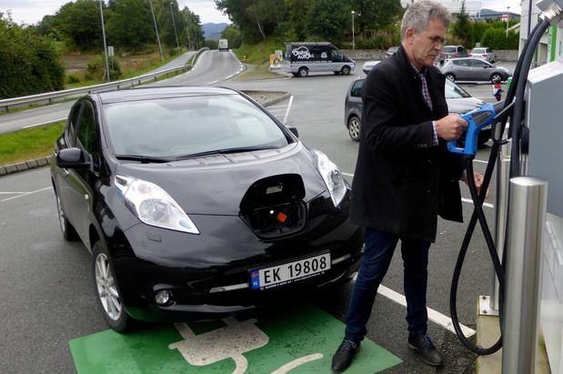 Waarom de Noren massaal elektrisch rijden
