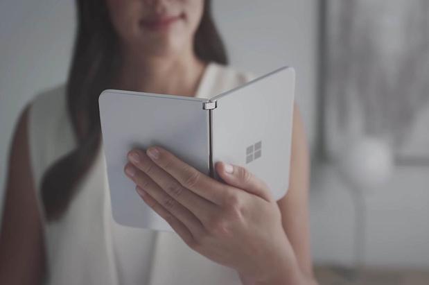 Microsoft brengt smartphone met dubbel scherm uit