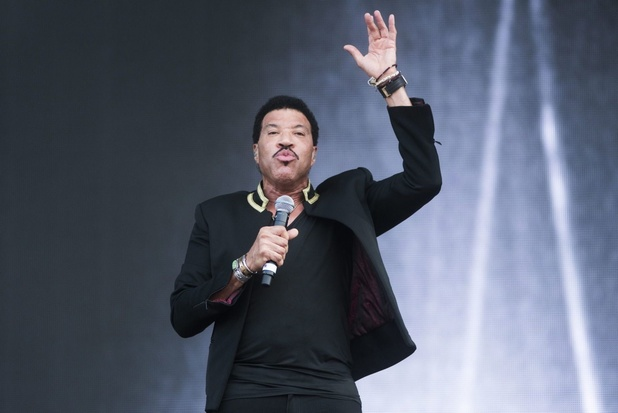 Lionel Richie neemt een coronaversie van 'We Are the World' op