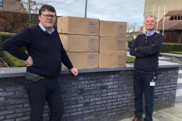 Familie Havegeer schenkt 40.000 mondmaskers aan AZ Delta en Sint-Jozefskliniek