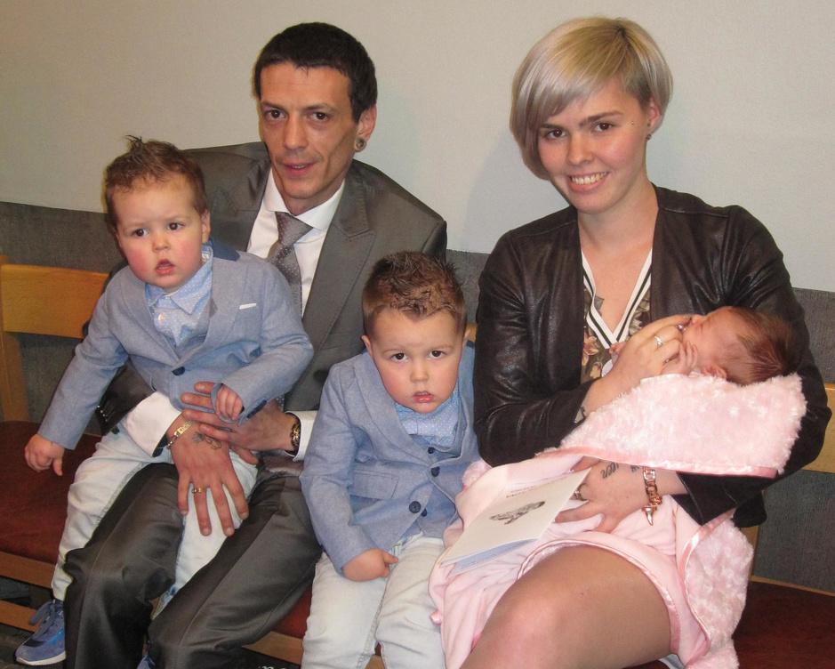 """Na overlijden Elke Van Poucke: """"Ik moet nu alleen verder met onze drie kinderen"""""""