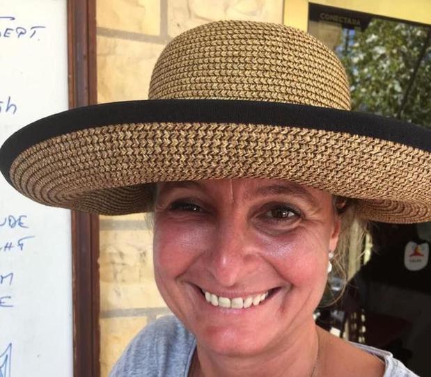 Graag geziene figuur Caroline Dewaele (47) overleden in Deerlijk