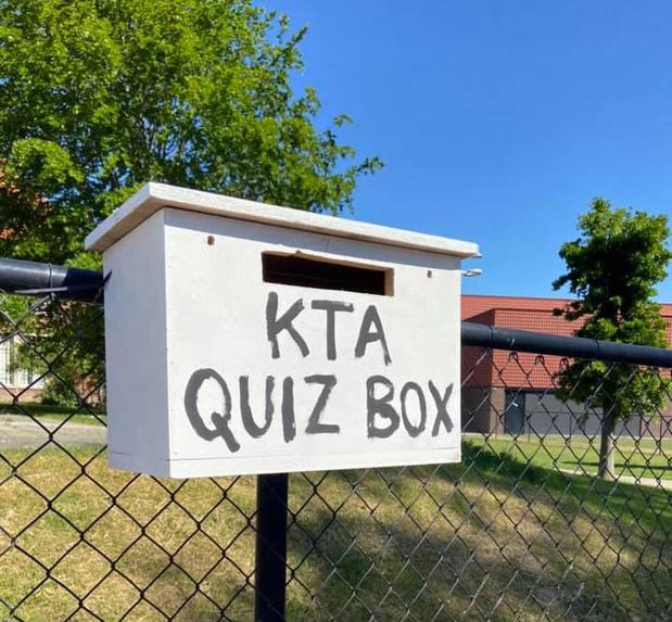 Directeur KTA gebruikt quiz om coronamaatregelen aan leerlingen uit te leggen