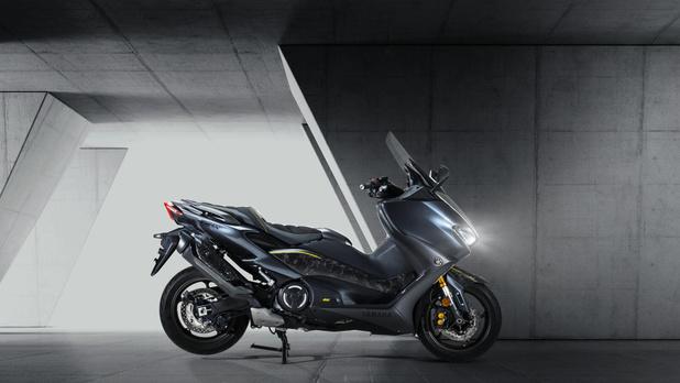 """Quatre fabricants de motos s'unissent pour rendre les batteries """"échangeables"""""""