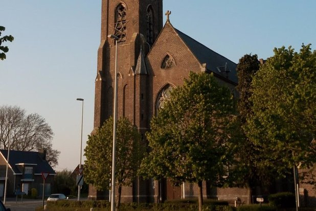 Parochie Kerkhove verdwijnt: fusie met Waarmaarde tegen 1 juli