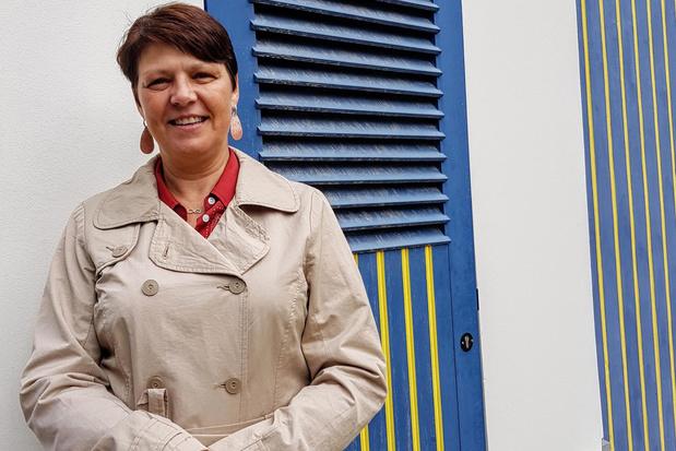 Isabelle etaleert voor het eerst artistiek werk in Waregems Koetshuis