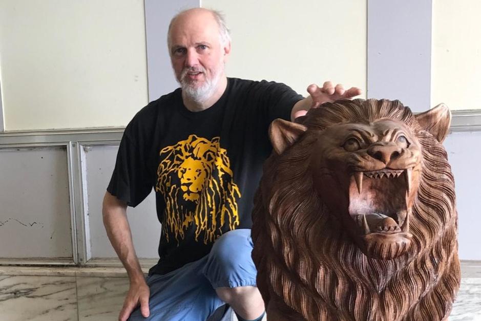 Frankie Van Troostenberghe is gepassioneerd door leeuwen