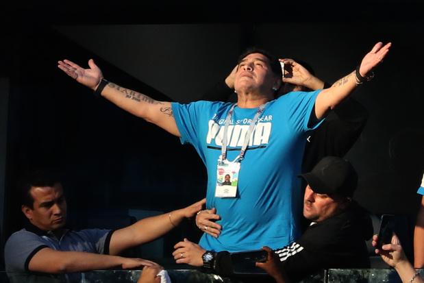 Drogue, petite mort et rencontre avec le Pape: Maradona, une vie de scandales