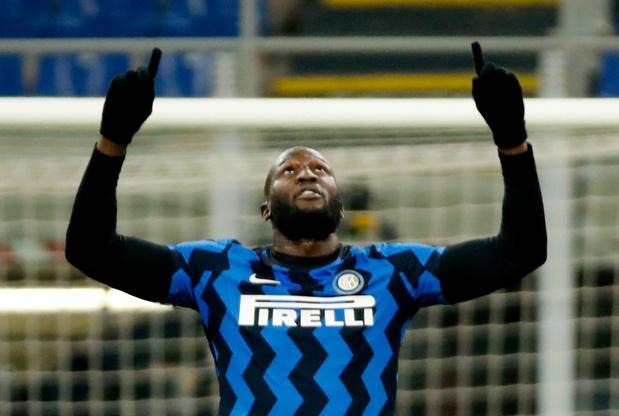 300ste goal van Lukaku zorgt voor zege Inter tegen Lazio