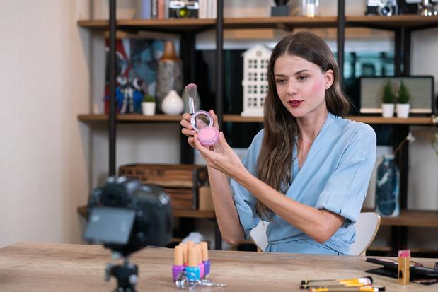 Britse beauty-influencers mogen geen 'misleidende' filters meer gebruiken