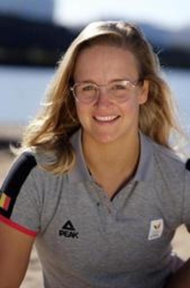 Emma Plasschaert sluipt top vijf binnen van WK zeilen Laser Radial