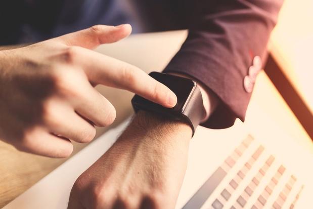 'Facebook plant eigen smartwatch voor berichten en fitness'