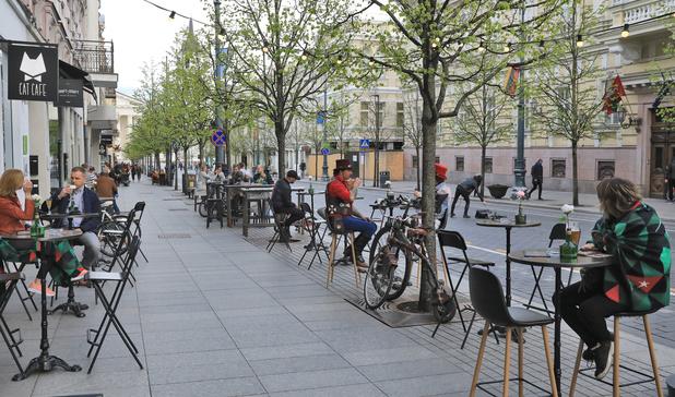 Les communes qui réaménagent leurs rues pour garantir la distance sociale toucheront des subsides