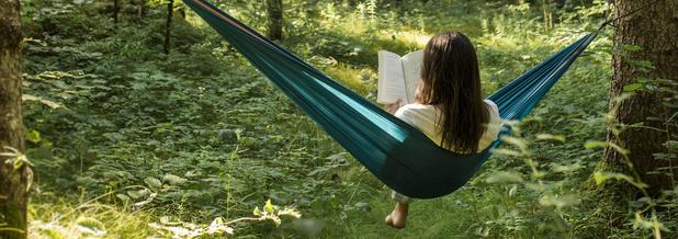 Dichtbij uw kot: van natuurloopje tot tipi-kamperen of gewoon hangen in het bos