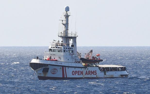 Open Arms : 27 migrants mineurs autorisés à débarquer à Lampedusa