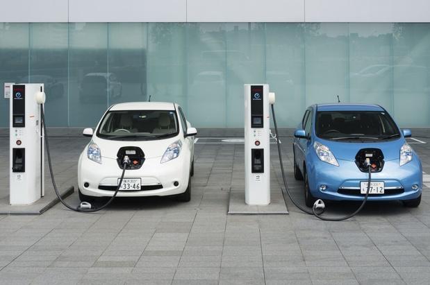 Groene bedrijfswagens: CD&V en Open VLD vinden elkaar (en stellen deadline uit)