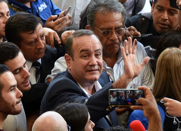 Le conservateur Alejandro Giammattei élu président du Guatemala