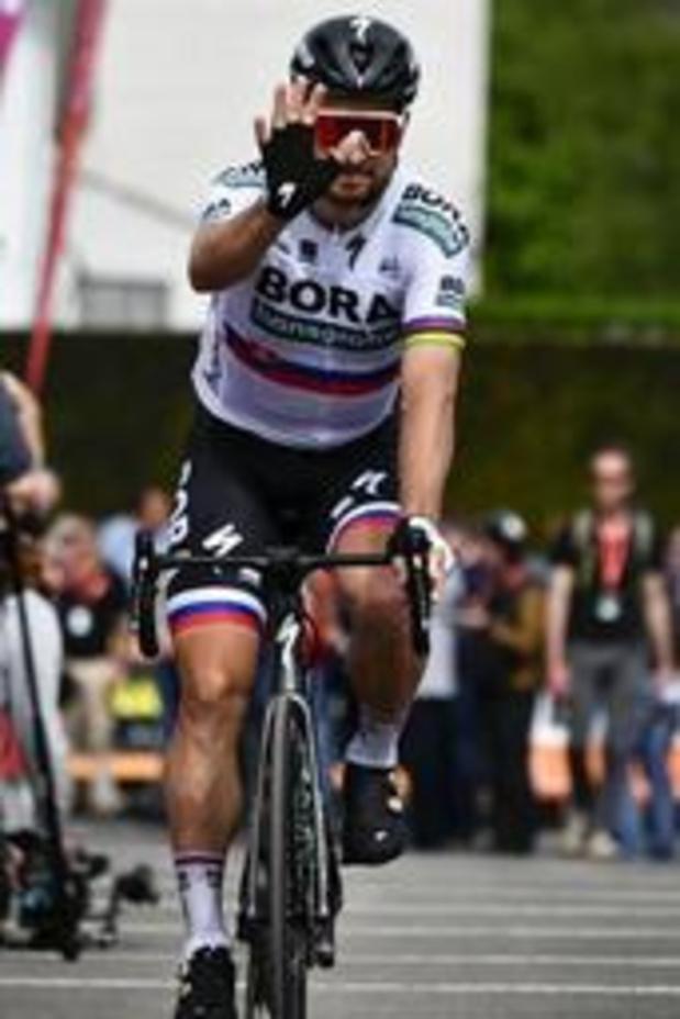 Sagan sprint bergop naar zege in Ronde van Zwitserland en is leider