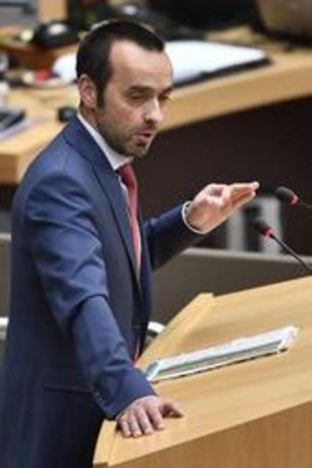 Tobback niet opnieuw kandidaat-partijvoorzitter voor sp.a