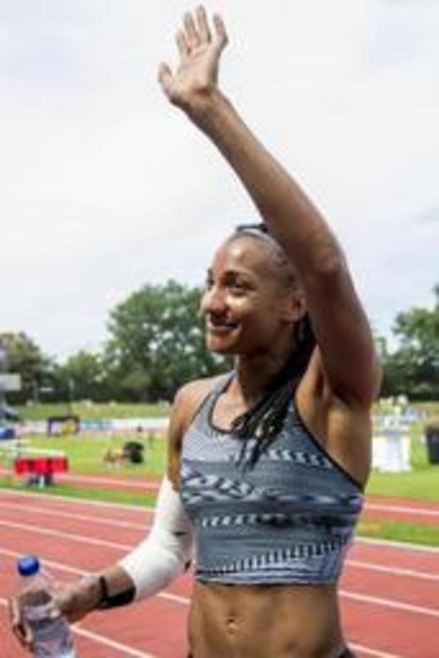 Le coude droit (blessé) de Nafissatou Thiam va être examiné avec soin cette semaine