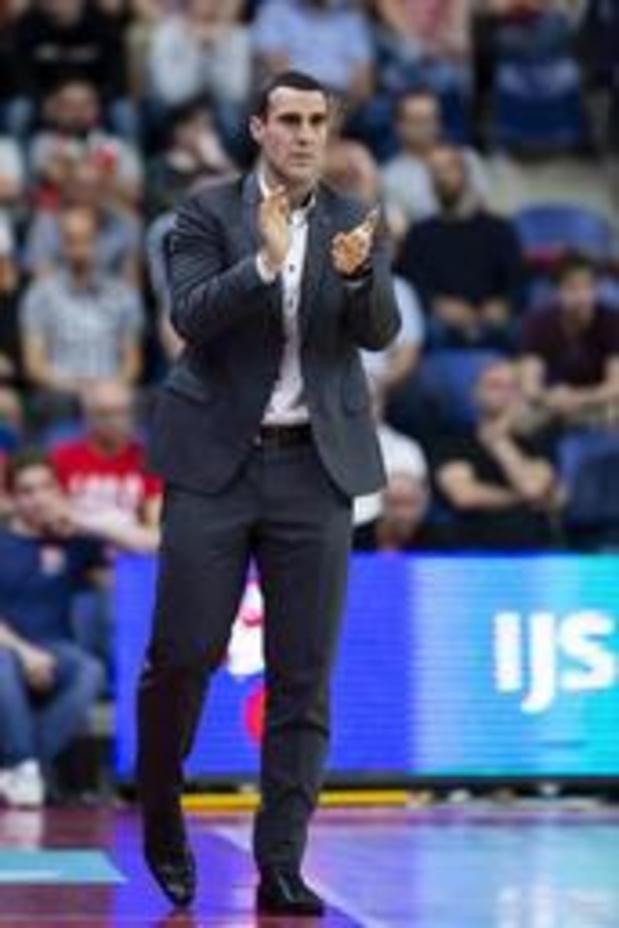 Le désormais ex-mentor d'Anvers, Roel Moors, est nommé coach de Bamberg en Allemagne