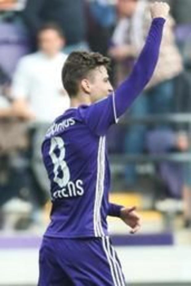 Jupiler Pro League - Dieumerci Mbokani passeur, buteur, et vainqueur 1-2 avec l'Antwerp à Anderlecht