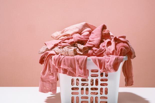 Oproep: 'Bewaar oude kleren nog even thuis'