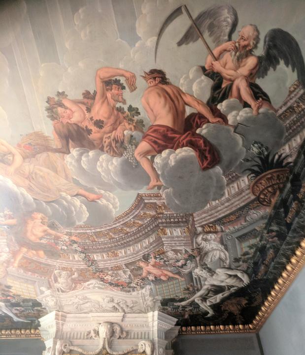 Hofkamer en 17de eeuwse winkelwoning winnen Antwerps Erfgoedjuweel