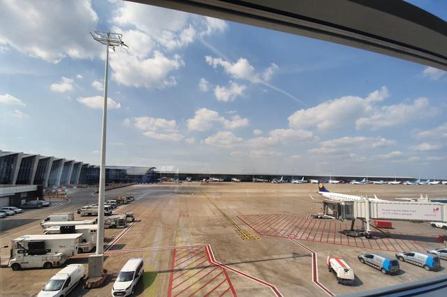 Brussels Airport et skeyes testent le déploiement de drones à l'aéroport - ICT actualité - Data News