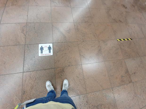 Marques au sol, gels nettoyants et une quarantaine d'éviers: le Brussels Airport est prêt