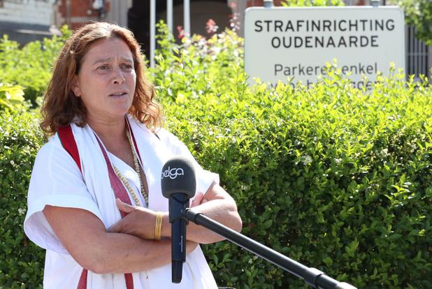 Nabestaanden en slachtoffers verzetten zich niet tegen elektronisch toezicht voor Hans Van Themsche