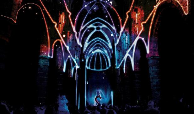 Critique scènes: L'abbaye en couleurs